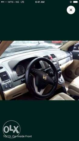 Honda CR-V 2010 in 100% perfect condition. Sharp and full option. Ikeja - image 3