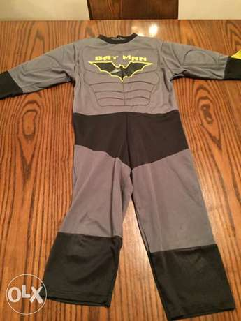 Batman costume size 4-5