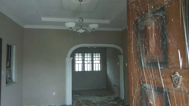 Newly built 3 bedrooms apartment close to A3 hotel Ibadan South West - image 4