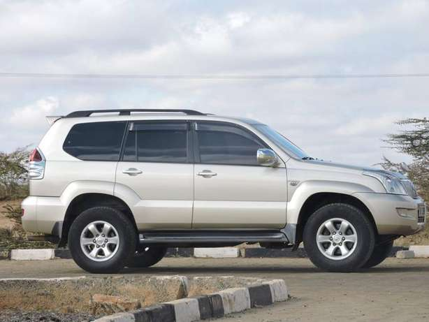 Toyota Prado TX-2006 in Machakos and locally used Athi River - image 3