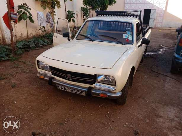 Peugeot 504 pick up for sale, working condition 5 speed inspected. Baba Dogo - image 7