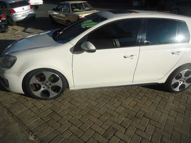 2012 VW Golf GTI DSG Available for Sale Johannesburg - image 3