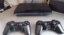 PS3 2controllers 500gig