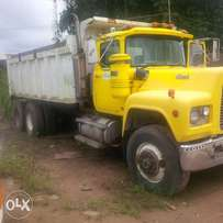 Yellow R Model Short Tipper Truck