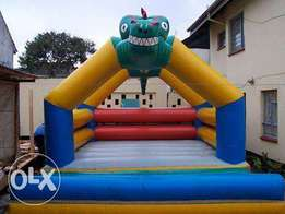 best priced bouncing castle,trampoline,facepainting and clown