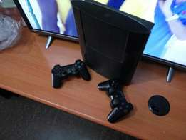 ps3 chipped with 2 controllers