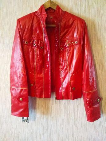 3448d4526557 Продам модные абсолютно новые женские куртки.  100 грн. - Женская ...