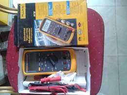 Fluke 87V Industrial True-rms Multimeter With Thermometer