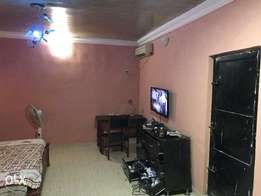 4 bedroom bungallow on a 2 plots of land for quick sales
