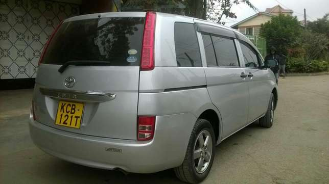 Toyota ISIS vvti 1800cc,very good condition South C - image 2