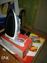 Ramtons Self Cleaning Steam Iron