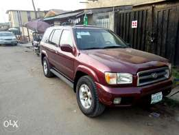 Nissan pathfinder 2000, leather interior and in a very good condition