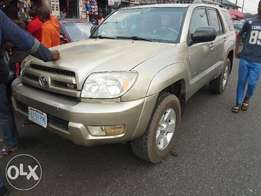 Very Neat reg 04 Toyota 4runner with headrest DVD