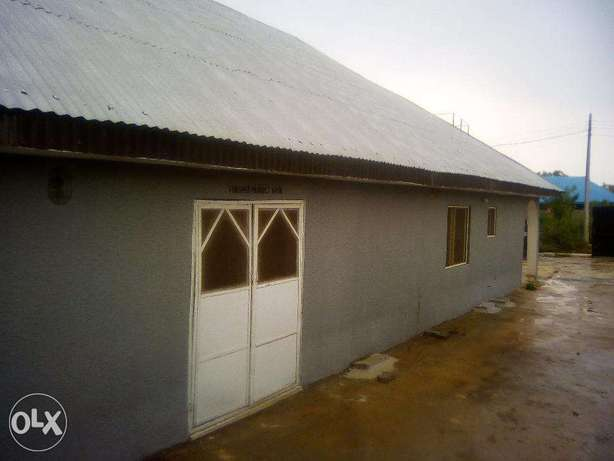 Spacious compound and building for sale Ilorin - image 5