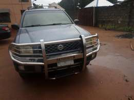 Excellent buy & rejoice used nissan pathfinder 1999. For sale in asaba