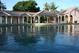 Quick sale - Waterfront property inside 24h secure area near Mombasa
