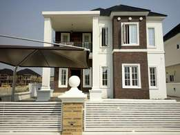 Nicely Finished Detached Duplex