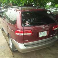 Few Months NIGERIAN USED Toyota Sienna, 2002. Very Okay.