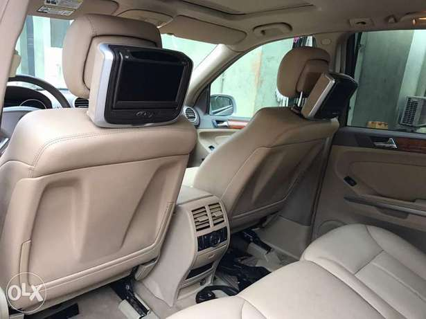 Foreign Used Mercedes Benz GL450 Lagos Mainland - image 3