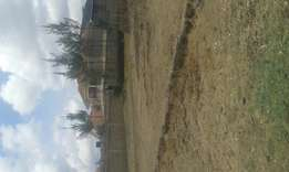 Prime plot at Kitengela with title.Size is 50*100 feet.Owner selling.