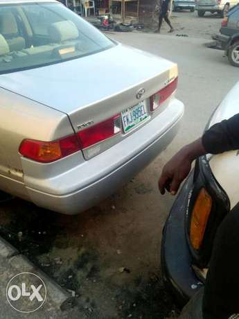 Super clean Camry 2000 for sale at affordable price. Kosofe - image 7