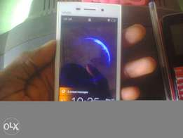 white vivo phone for sell or swap with Infinix hot 2