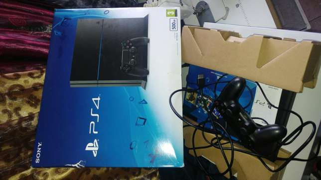 Sony PS4 500GB Urgent Sale Germiston - image 4