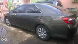 Tokunbo Toyota Camry 2014 very clean and in a good condition