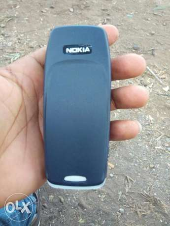Old Model Nokia 3310 selling at 1500/-.Delivery within CBD Nairobi CBD - image 4