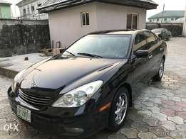 Extra clean Lexus ES300 at give away price