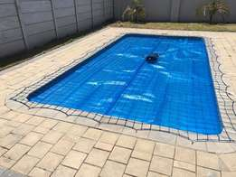 Gheko Services offers floating pool bubble covers for any pool or jacu