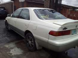 Super clean sweet fullest option Toyota Camry droplight all for grab