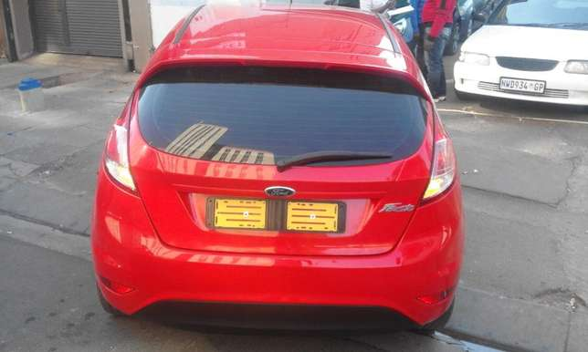 Ford fiesta 2014 model red in color 39000km R143000 with full service Johannesburg CBD - image 3