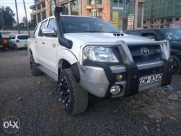Toyota double cabin hilux 2011