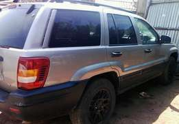top ride's Jeep grand Cherokee