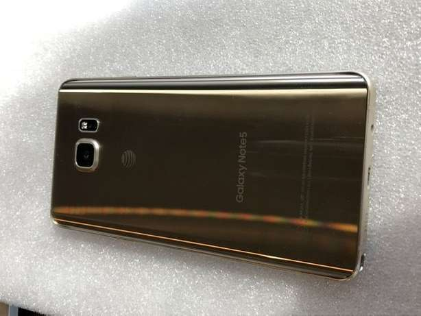 Sleek Samsung Galaxy Note 5 Gold Edition With 32gb For Sale Nairobi CBD - image 3