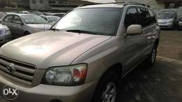 Super Clean tokunbo 2007 Toyota Highlander Basic with navigation