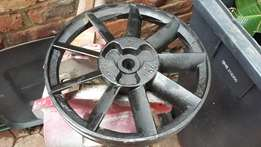 Compressor pulley and shroud