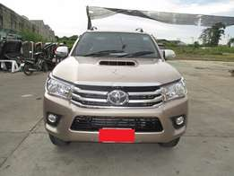 Toyota Double Cabin, 3000cc diesel, year 2009, gold colour, leather in