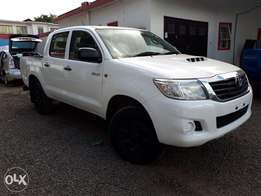 Toyota Hilux Double Cab, Year 2011, white, Engine 2500cc Diesel, Manua