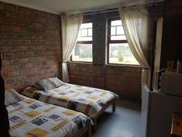 Room in house in Primrose to let R 1850