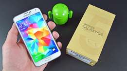 Samsung Galaxy S5 in box to sell or swop