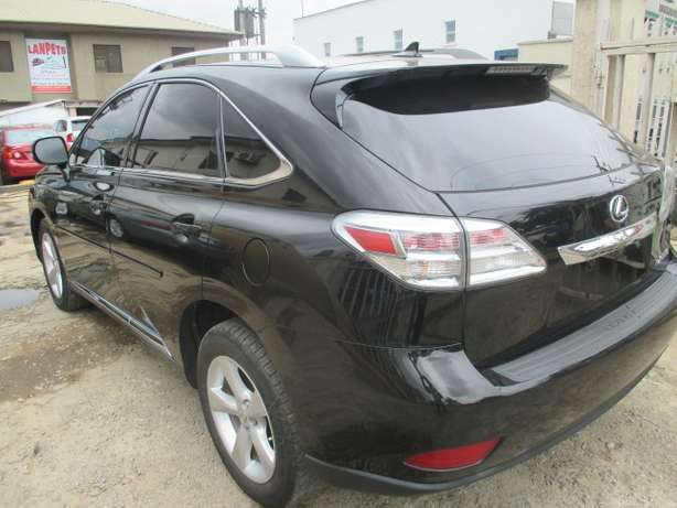 Extremely Clean Lexus RX350,011 Tokunbo Lagos Mainland - image 7