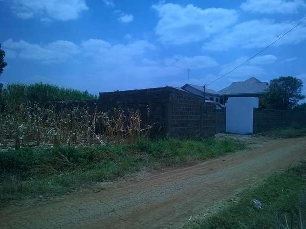 HOT XMAS OFFERS!!! prime 50 by 100 ft plots on sale in Landless Thika Thika - image 2