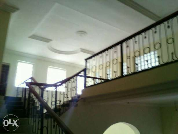 Newly built 10bedroom en-suite duplex at Independence Layout in Enugu. Enugu North - image 3
