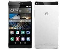 Am selling my Huawei p8 color black good condition phone 2000