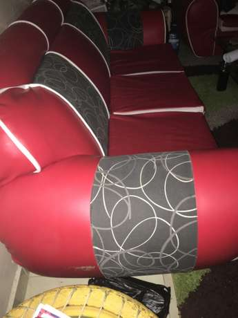 Red leather five seater seats Syokimau - image 1