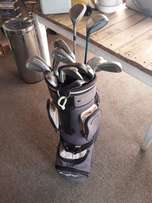 Dunlop golf bag & full set of golf clubs