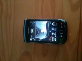 Blackberry 9800 storm for sale. Phone is hundred persent. Good condi