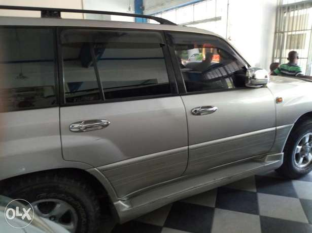 Very clean silver Toyota Land Cruiser KBE for sale at Mombasa Island Mombasa Island - image 3